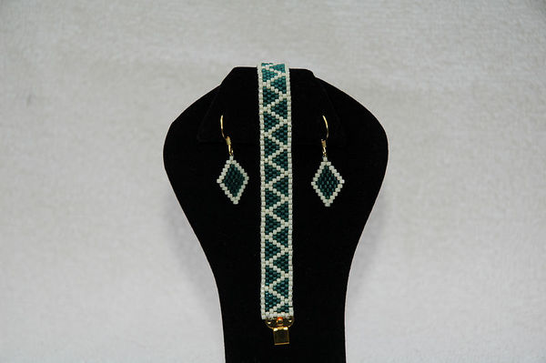 Teal Blue & Ivory With Matching Earrings